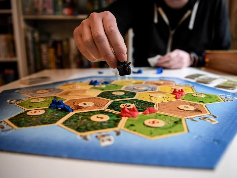 Tarda de jocs de taula per a joves - 26707-ge.jpg