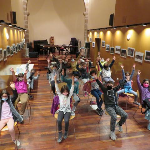 L'Escola de Música de Maçanet arriba als centres educatius del poble